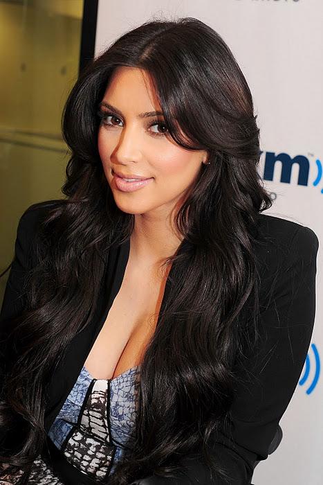 Kim Kardashian Shows Her Big Cleavage Photos  My 24News -1423