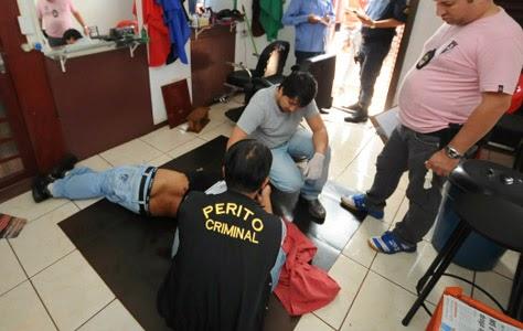 14a0eafd5 RIOVERDEMS: Cabeleireiro é assassinado com vários tiros dentro de salão de  beleza em Dourados