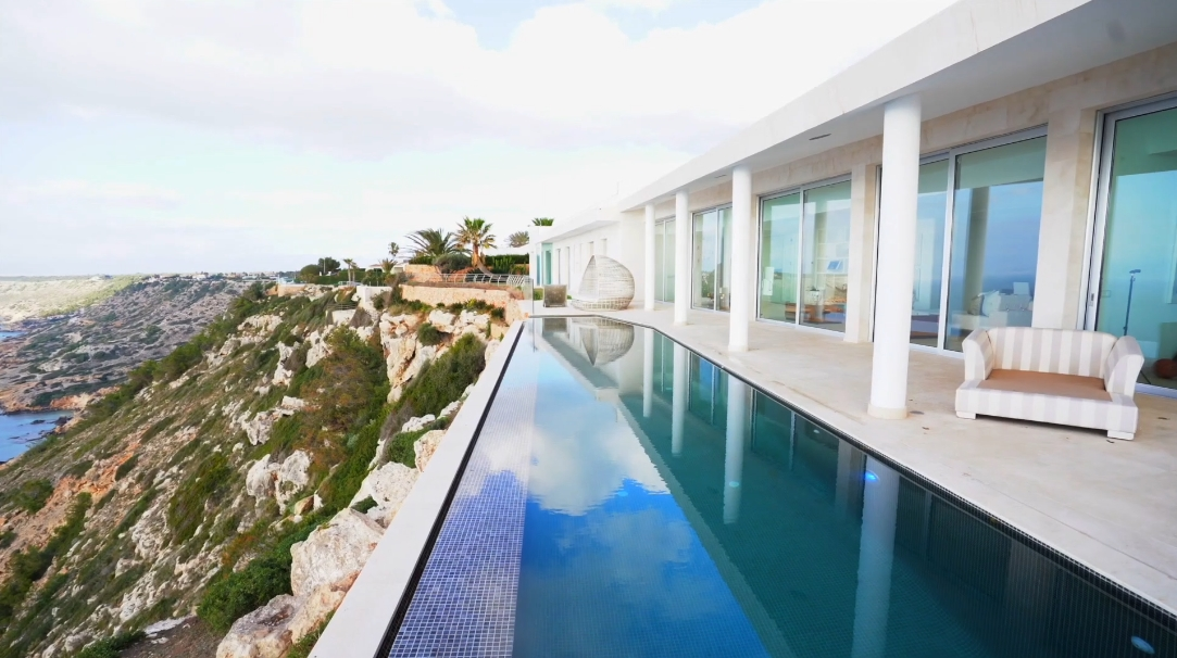15 Interior Design Photos vs. Mallorca Luxury Villa Sunset Tour