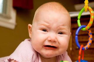 4 Cara Ampuh Mengatasi Sakit Perut pada Bayi di Rumah