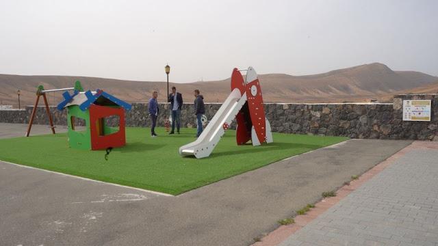 parque%2Binfantil%2Bcaldereta%2B%25281%2529 - Fuerteventura.- La Caldereta tiene  el parque infantil que demandaban los vecinos.  La Oliva anuncia la renovación completa de cuatro parques más en 2020