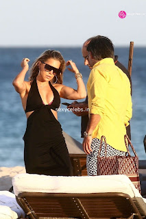 Sylvie Meis  body huge    in tiny bikini WOW Beach Side  Pics Celebs.in Exclusive 007