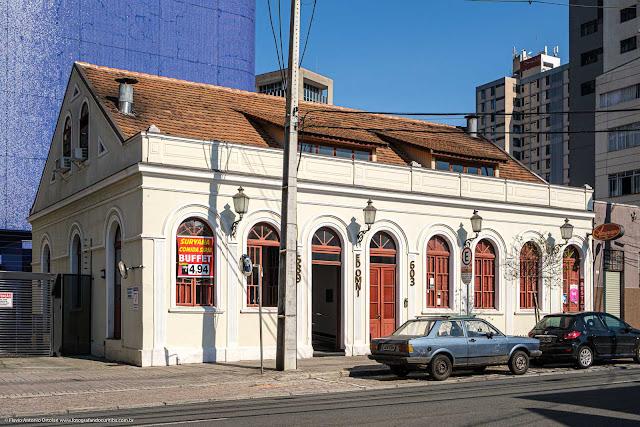 casa antiga na Alameda Doutor Carlos de Carvalho