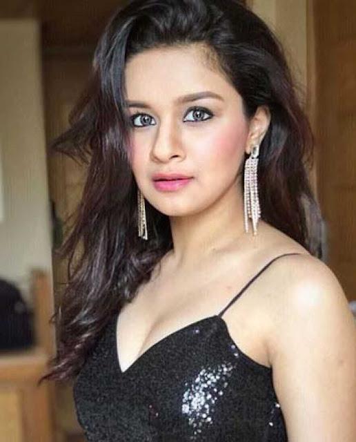 Avneet Kaur Images 26