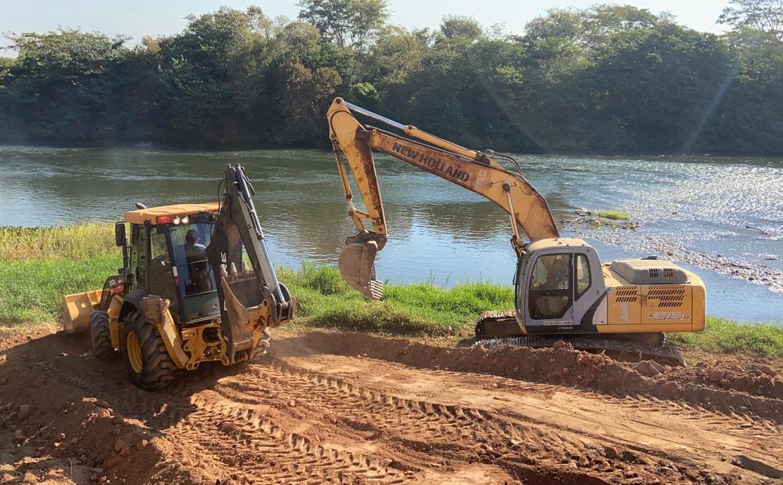 Em Barreiras, Semana do Cerrado tem início com ações de desassoreamento no Rio Grande