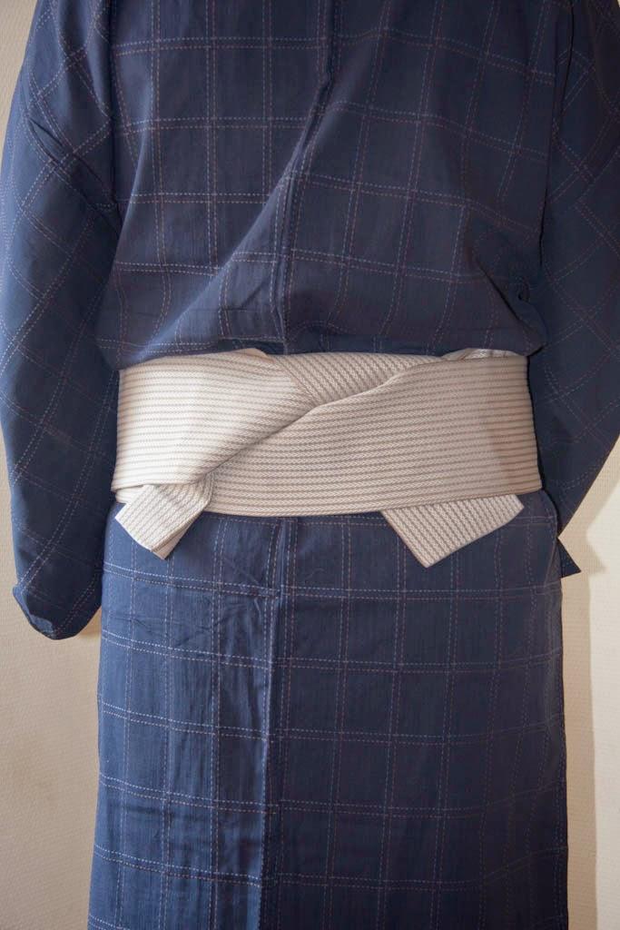 7dcd446eb2e2 Ronin Musubi (浪人結び) Le nœud des fameux samouraïs sans maîtres. C est un  nœud pour homme nouer sur un kaku obi.
