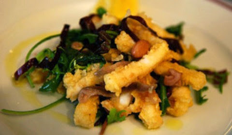 Calamari fritters with eggplants and beans