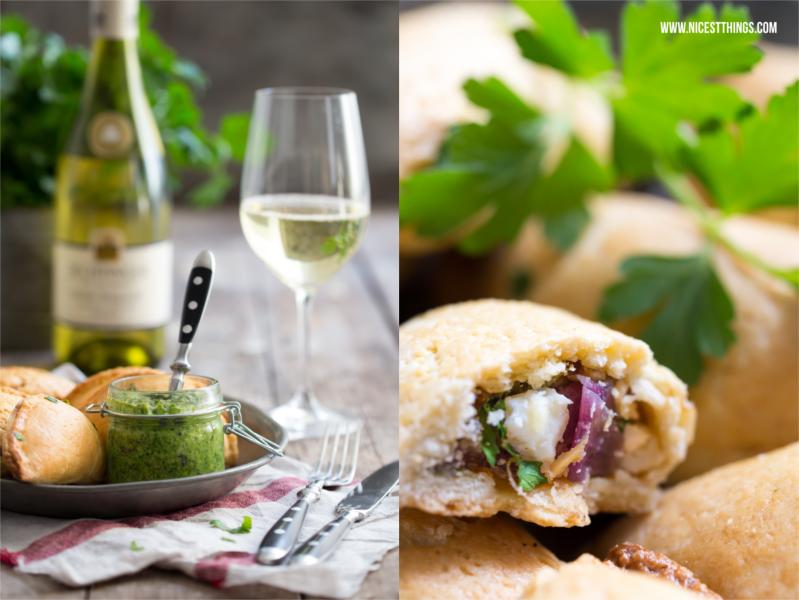 vegetarische Empanadas mit Ziegenkäse, Balsamico Schalotten und Mangold zu badischem Wein