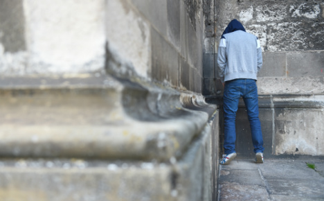 muslim youths kill christian man urinating near a mosque