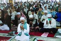 Suasana Sholat Id di Mushalla An-Nuuru, Kediaman EA 2 Kobi Berjalan Tertib