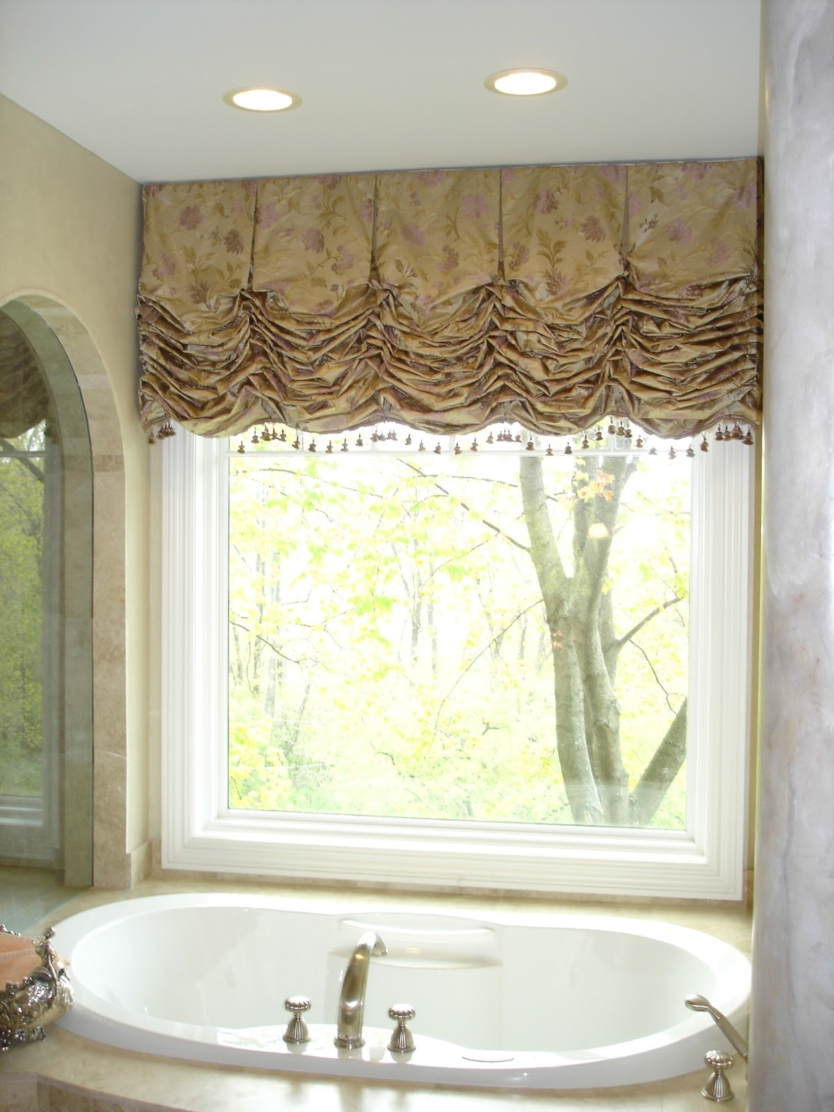 Kitchen And Bathroom Window Curtains Wall Decor Balloon Valves Pictures Valances