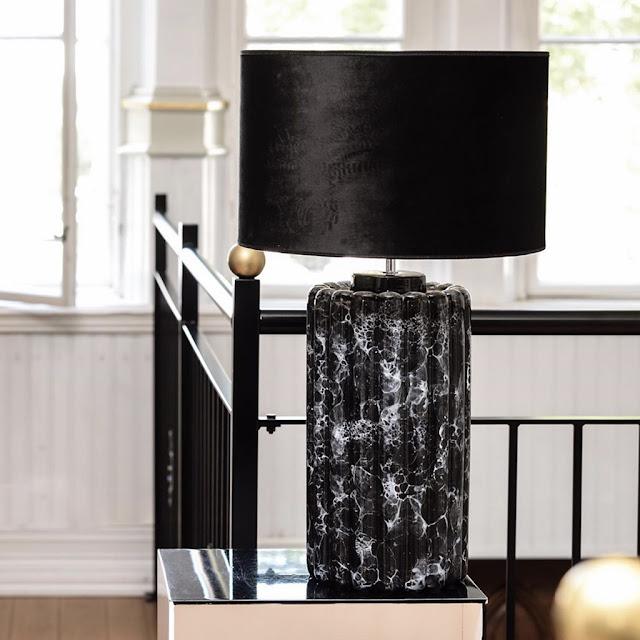 Lampfot Odessa Black Marble från Hallbergs belysning hos Longcoast Living.