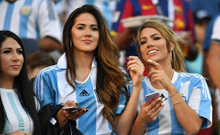 Argentina beautiful fans
