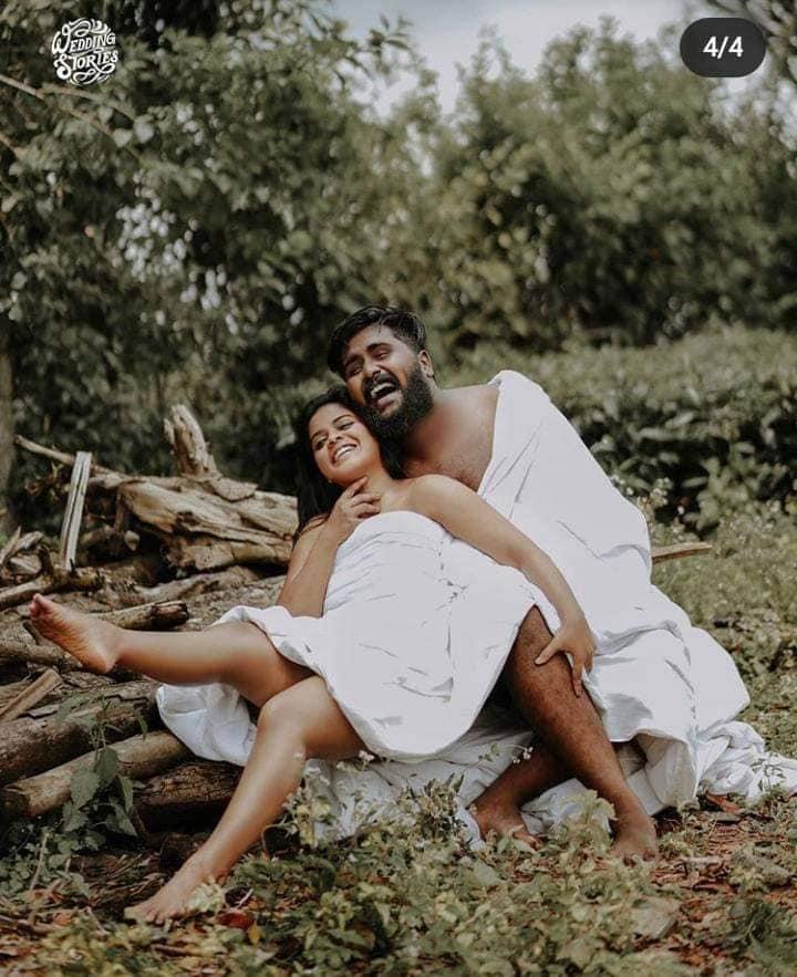 semi-naked wedding photography