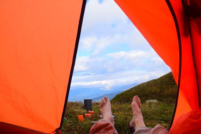 Ноги из палатки