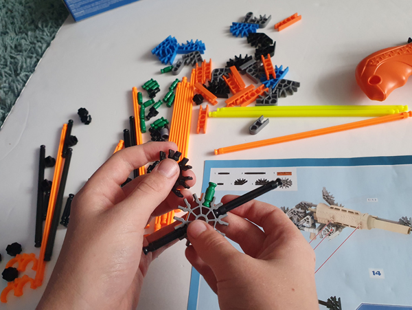 9-year-old building a Battle Bow from K'nex