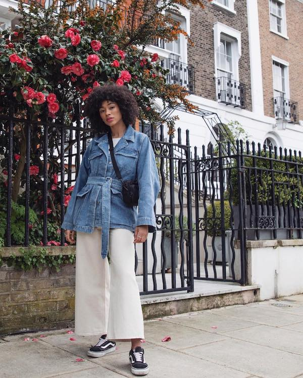 Budget-Friendly Weekend Outfit Idea: Belted Denim Jacket, White Cropped Wide-Leg Jeans, and Vans Sneakers