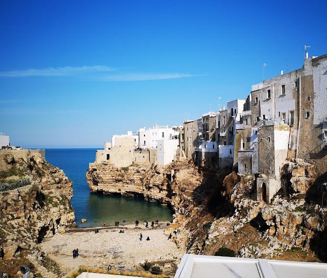 Polignano a Mare:panorama costa sud