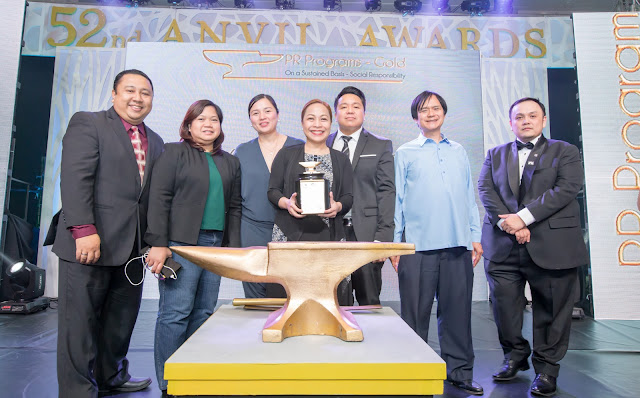 PLDT Gabay Guro was lauded for its 2016 campaign and TeacherFest tribute event at the recent 52nd Anvil Awards.