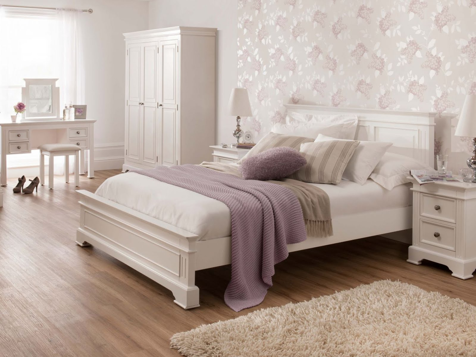 FURNITURE KAMAR MINIMALIS