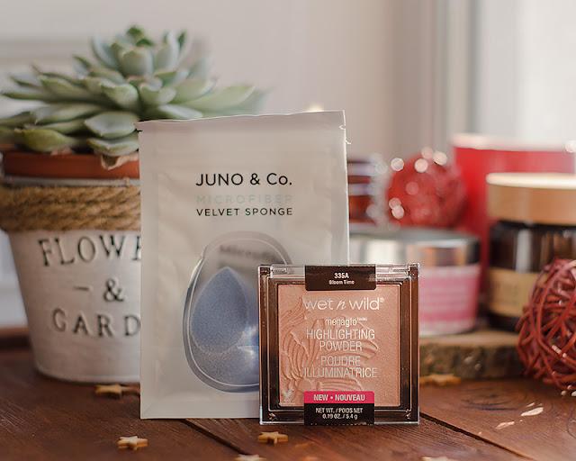 Косметика с сайта Love Letter, хайлайтер Wet n Wild, спонж для нанесения макияжа Juno