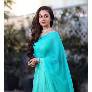 Actress Aishwarya Arjun Latest Beautiful Saree Pics