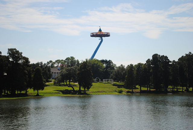Área The Beggining no parque da Lego em Orlando