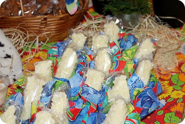 Decoração de Festa Caipira - Junina : Cocada Branca