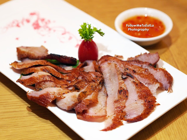 Pan Fried Pork Neck with Homemade Sauce (R) 26 (L) 52  Per Portion