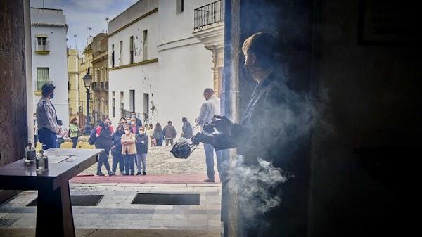 El balance de una Semana Santa de cal y de arena en Cádiz