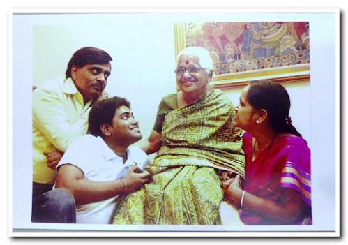 Nalini Kulkarni, Aanandyatri, Family Members.