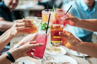 ماذا سيتغير في الجسم إذا توقفت عن شرب الكحول