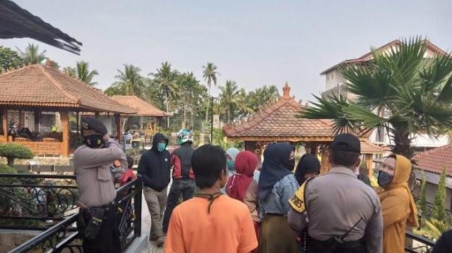Terlanjur Koar-Koar Seantero Kampung Bakal Sumbang 10 Kambing Kurban, Pria Ini Akhirnya Gigit Jari dan Tanggung Malu Sendiri