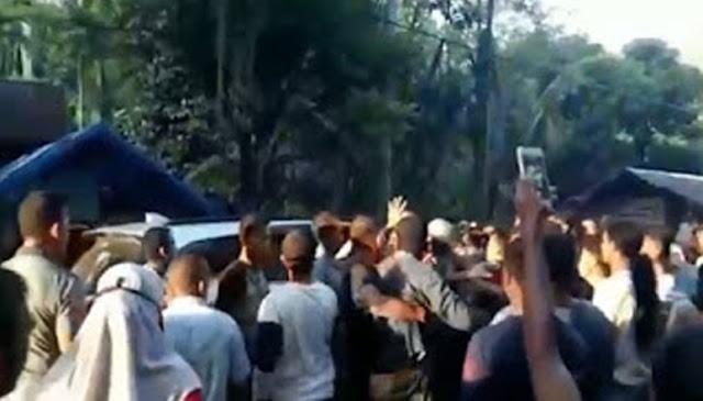 Tak Terima Bantuan Covid-19 Rp 600rb, Ratusan Warga Kepung Kepala Desa