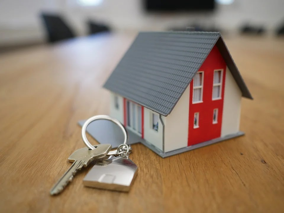 A small house with keys