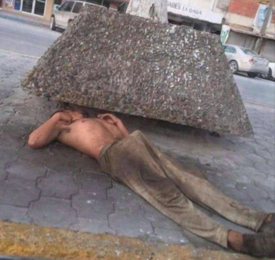 verga dura en la calle