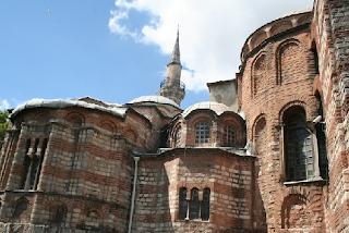 http://www.settimananews.it/informazione-internazionale/dietro-le-decisioni-di-erdogan/