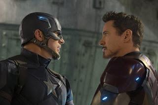 キャプテンアメリカとアイアンマンの激突