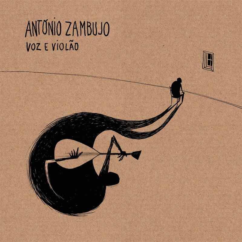 """Nono álbum do cantor e compositor português, """"António Zambujo Voz e Violão"""" tem nome inspirado em um dos mais importantes discos para sua formação, """"João Voz e Violão"""", de João Gilberto, editado em 1999"""