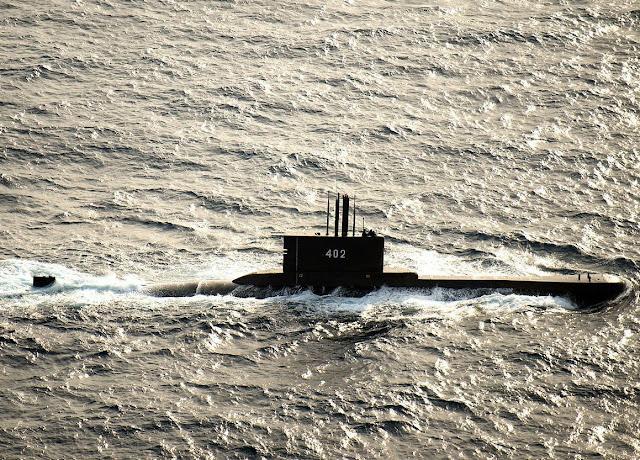Estados Unidos se une a la carrera por encontrar el submarino indonesio siniestrado