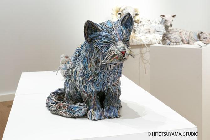 07-Dog-Hitotsuyama-Studio-Chie-Hitotsuyama-Upcycling-Paper-to-make-Animal-Sculptures-www-designstack-co
