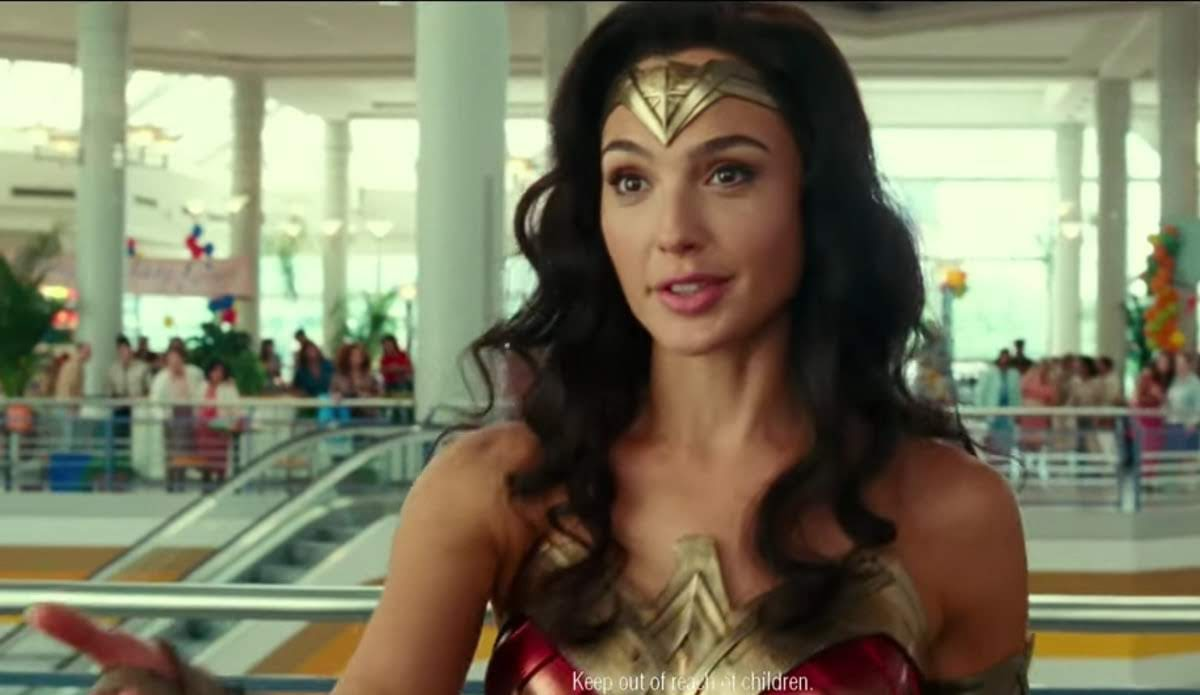 Wonder Woman Gal Gadot and Charlie Day in Tide's Super Bowl Ad :「ワンダーウーマン 1984」のガル・ガドットが、今日は洗濯しなくても大丈夫よ ! ! と、「パシフィック・リム」のチャーリー・デイを納得させてくれるタイドのスーパーボウルの CM ! !