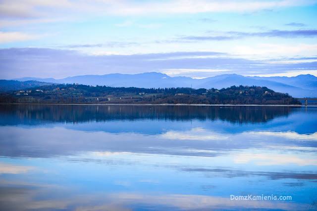 Jezioro Bilancino - Mugello, Dom z Kamienia blog