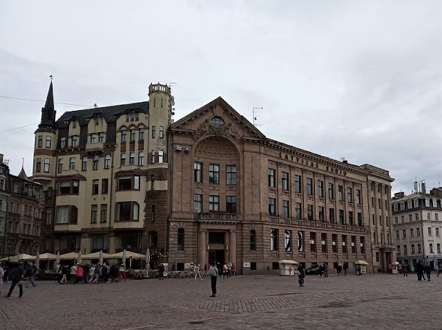 edifici art nouveau piazza del duomo riga
