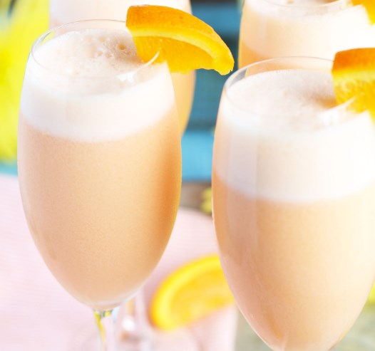 PINEAPPLE ORANGE CREAMSICLE MIMOSAS #drinks #breakfast