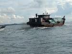 BC Karimun Tangkap Kapal Pengangkut Kayu Milik Haji Permata