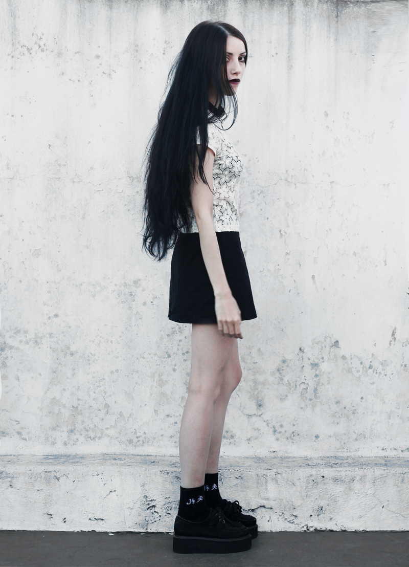 fashion, outfit, black and white, lace, blogger, moda, creepers, lune, nocturne, blog