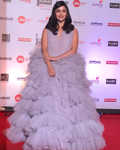 Alia Bhatt At Jio Filmfare Awards 2018