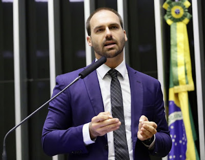Eduardo Bolsonaro divulga currículo que inclui atuação em Guajará-Mirim