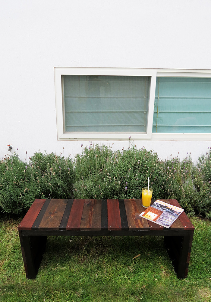 https://www.ohohdeco.com/2015/06/diy-outdoor-bench.html